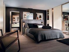 Tête de lit qui fait séparation avec les niches vide-poches