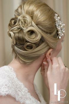 Vintage wedding hair by Lucille's Locks