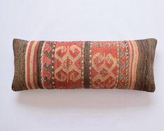 kilim tyyny marokkotynytyyny kilim tyynyliina marokkolaistynyttä tyynyä 35x90 tyynynpäällinen kilim tyynyt tyynyliinat tyynynpäällinen mattopehmuste tyynynpäällinen 35x90 boheemi tyynyt heimotyyny kuvakudos tyyny Kilim kussen Marokkaans kussen Kilim kussensloop Marokkaans kussen 35x90kussensloop Kilim kussens kussenslopen kussenhoes tapijt kussen kussenhoes 35x90Bohemian kussens tribal kussen tapijt kussen