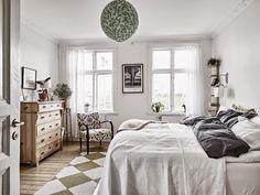 rustic scandinavian bedroom