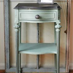 This was a fun makeover in Dixie Belle Paint Sea Glass mineral paint! Swipe to see the before pic of this thrift store table and it's before and after! Post on blog! #ontheblog #vintage #dixiebellepaint #painted #seaglass #beachdecor #thriftscorethursday #thrifted #drabtofab #trashtotreasure #beforeandafter #makeover #reloved #refinished #table #homediy #homedecor #design #rescue ##varathane #beautiful #vintagedetails