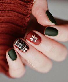 holiday nails Blingy Bows, Festive Holiday Nail Art That Isnt Cheesy - (Page Christmas Gel Nails, Holiday Nail Art, Christmas Nail Art Designs, Fall Nail Designs, Plaid Nail Designs, Christmas Makeup, Christmas Holiday, Nagellack Design, Trendy Nail Art