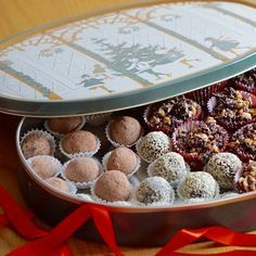 Nyttigare julgodis, utan raffinerat socker Very Merry Christmas, Christmas Candy, Christmas Cookies, Christmas Time, Christmas Recipes, Candy Recipes, Raw Food Recipes, New Recipes, Healthy Recipes