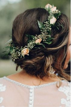 30 Photos of Bridal Flower Crowns for a Romantic Wedding Day Look