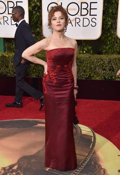 Bernadette Peters arrives at the 73rd annual Golden Globe Awards on Sunday, Jan. 10, 2016, at the Beverly Hilton Hotel in Beverly Hills, Calif.