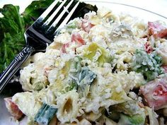 Avocado Caesar Pasta Salad Ingredients: 1 lb medium pasta shell, cooked and drained 1 cup caesar salad dressing salt and pepper 14 ounces artichoke hearts, drained and quartered 1 cup cherry tomatoes,...
