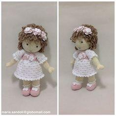 Boa noite! Está é a boneca Joaquina #maria_sandoli #doll #decoração #daminhadehonra #designercrochet #decoraçãfestademeninas #decoraçãoquartodemeninas #poupee #boneca #cute #croche #crochet #crochearte #crochefofo #crochelindo #crochethart #crochetlove #chadefraldas #portadematernidade#chadebonecas