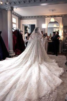 Stunning Wedding Dresses, Dream Wedding Dresses, Beautiful Gowns, Beautiful Bride, Bridal Dresses, Wedding Gowns, Bridesmaid Dresses, Wedding Dress Long Train, Wedding Bride