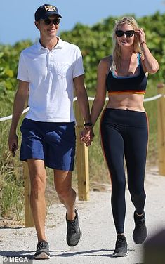 Miami Nice! Ivanka flaunts her VERY toned tum in sports bra and leggings as she walks hand-in-hand with Jared Donald Trump Daughter, Trump Show, Jared Kushner, Ivanka Trump, Miami, Abs, Walking, Sporty, Leggings