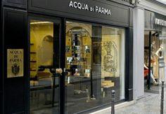 Parfum : Acqua di Parma à Paris The Body Shop, Aqua Di Parma, Perfume, Blog Voyage, Men's Grooming, Marie Claire, Locker Storage, Spa, Boutique