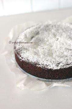 Torta morbida di cioccolato e noci