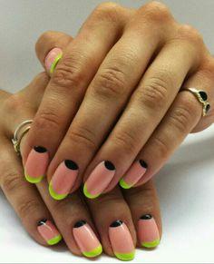 Muy retro, media luna y redondas #Nails