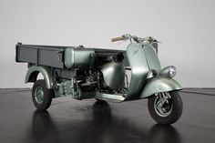 1954 Piaggio APE Cassone | Classic Driver Market Vespa Bike, Piaggio Ape, Vintage Art, Motorcycle, Classic, Vehicles, Scooters, Girls, Autos