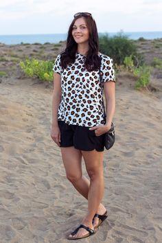 Kleidermädchen - Outfit of the day  // Shirt - Zara // shorts - H&M // shoes - Birkenstock Gizeh // sunglasses - Ralph Lauren // bag - Mango //  http://www.kleidermaedchen.de
