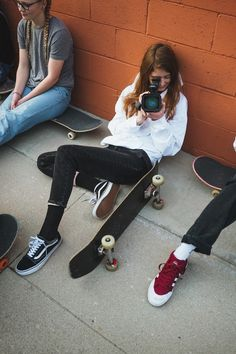 Skate Girls: Charlie McHarg - Urban Outfitters - Blog