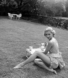 1950s picnic wear. Maybe a bit revealing for a wedding. I like the picnicy idea, though...