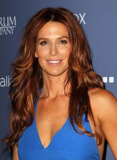 Poppy Montgomery. Light auburn highlights on medium auburn hair. Love.