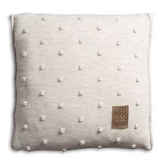 Pillow 50x50 - Noa VZ beige by Knit Factory www.knitfactory.nl