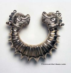 Pakistan - Sindh | Silver bracelet with dragon's head ends | ca. 1870 | ©Victoria and Albert Museum, London. 1028-1872