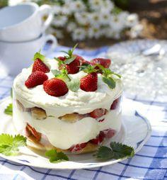 Strawberry Tiramisu - Mansikkatiramisu maistuu kesälle, resepti – Ruoka.fi