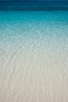 I want to put my feet in this warm ocean and have sand between my toes.