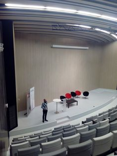 En el futurista auditorio Bill Mitchell del edificio @etopia_