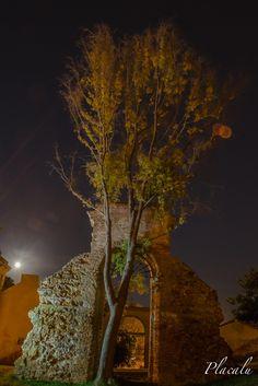 La luna y el arco en el Parque de san Miguel