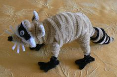 Raccoon Pipe Cleaner Projects, Pipe Cleaner Art, Pipe Cleaner Animals, Pipe Cleaners, Summer Camp Crafts, Camping Crafts, Crafts To Sell, Fun Crafts, Crafts For Kids