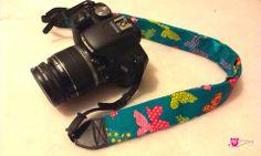 Kennt ihr das, wenn ihr was seht und sofort inspiriert seid? Das hatte ich bei diesem Stoff. Jetzt habe ich ein schickes neues Kameraband https://www.facebook.com/DIYeule #Kameraband #inspiriert #Schmetterling #DIYEeule