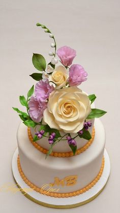 Wedding Cakes with Sugar Flower