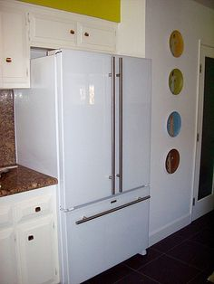 Jenn Air Floating Glass French Door Refrigerator Kitchen