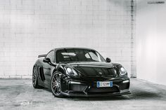 Cayman GT4 Front