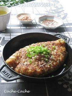 staubホットプレートで キムチ&チーズ入り 山芋のふわとろ焼き♪ by ...