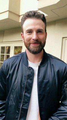 Chris Evans Beard, Christopher Evans, Chris Evans Captain America, Steve Rogers, Eye Candy, Handsome, Singer, Actors, Daddy Issues