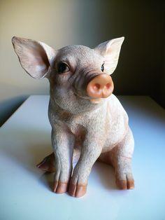 New 10 inch Pig Statue Sitting Oinker Piglet Resin Garden Indoor Farm Decor | eBay