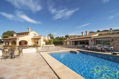 Beeindruckende Villa mit privatem Pool und traumhaftem Garten