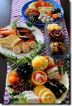 2016年1月3日(日)毎年、元旦はお重にお節を詰めて2日は、皿盛りのお節です。 2016年 皿盛りのお節 かまぼこ(市販)、伊達巻、昆布巻き、酢ごぼう田作り…