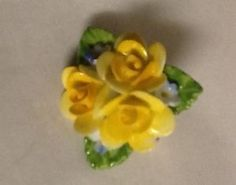 Vintage-Coalport-China-Pin-Brooch-Yellow-Roses-Flowers-England  growdough ebay