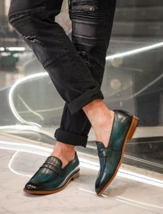 Gentlemen Wear, Office Shoes, Party Shoes, Cow Leather, Color Change, Loafers Men, Casual Shoes, Gentleman, Kicks