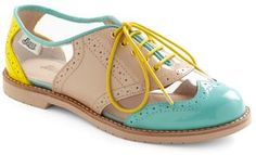 cut out oxford shoes