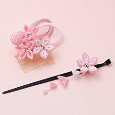 堆糖-美好生活研究所 Ribbon Art, Diy Ribbon, Fabric Ribbon, Ribbon Crafts, Flower Crafts, Fabric Flowers, Fabric Crafts, Felt Hair Accessories, Craft Accessories