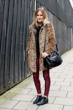 does this outfit make me look french Street Style The Ultrachic Women of Menswear Fashion Week A leopard coat popped against red leather bottoms while Chelsea boots provided the finish How very Kate Moss no 2823 Style Outfits, Fashion Outfits, Fashion Trends, Men's Fashion, Leopard Print Coat, Leopard Jacket, Cheetah Print, Outfit Trends, Outfit Ideas