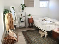 just wanna redo my room with white furniture and plants and greens and blues and tans ugh it'd be so pretty