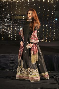 For family / friend gatherings, and girls are always looking for new ideas trends style & They need the best dress for th. Shadi Dresses, Pakistani Formal Dresses, Pakistani Fashion Party Wear, Pakistani Wedding Outfits, Pakistani Dress Design, Indian Dresses, Pakistani Clothing, Wedding Hijab, Wedding Dresses For Girls