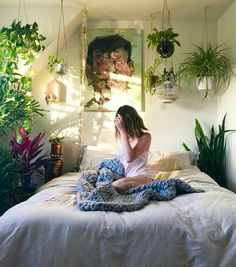 Bedroom Decor Fascinating Ideas On A Budget For Boho Bedroom With Plants And Textiles;Bohemian Bedroom Decor And Bedding Design Ideas decor on a budget beds 48 Bedroom Decor Fascinating Ideas on a Budget for 2019 Bohemian Bedrooms, Trendy Bedroom, Ikea Boho Bedroom, Gypsy Bedroom, Bedroom Beach, Bedroom Small, Cozy Bedroom, Master Bedroom, Bed Design