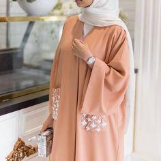 """4,975 Beğenme, 14 Yorum - Instagram'da Hijab Fashion Inspiration (@hijab_fashioninspiration): """"@niaamroun"""""""