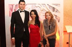 Victor Hanescu, alaturi de sotie, Andreea, si de designerul Mirela Diaconu