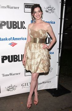 """Anne Hathaway attends the 2009 Shakespeare in the Park opening night performance of """"Twelfth Night at the Delacorte Theater on June 25, 2009 in New York City. Couture: Marchesa."""