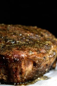 Want to know all the secrets to cooking a perfect tomahawk steak? It's quite… Want to know all the secrets to cooking a perfect tomahawk steak? Learn how to make the best steak of your life, right in your own home! Steak Marinade Recipes, Grilled Steak Recipes, Grilled Meat, Grilling Recipes, Beef Recipes, Cooking Recipes, Oxtail Recipes, Steak Marinades, Cooking Food