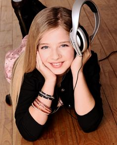 Jackie Evancho | Official photo from her website.